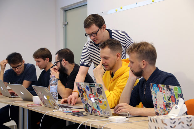 Michał Budzyński and Staś Małolepszy leading Gamedev.js workshop about ECS